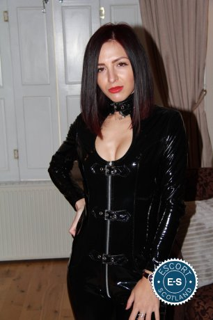 Meet Arianna Sexy Girl in Glasgow City Centre right now!